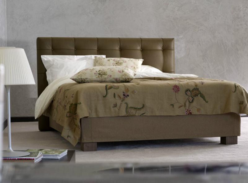 das Bett komplett